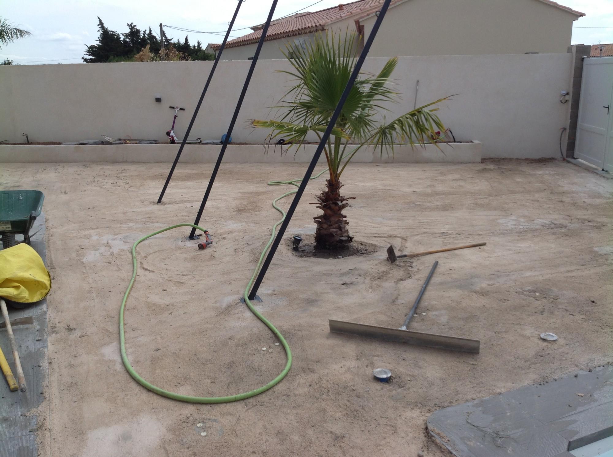 Préparation du sol avant la pose d'un gazon synthétique à Montpellier